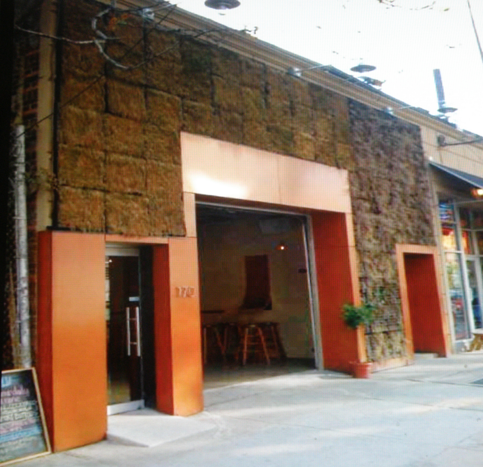 OuluBarBrownWall-1