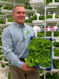 R200_Growing lettuce at the zo.jpg